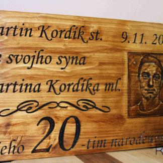 darček z dreva k narodeninám