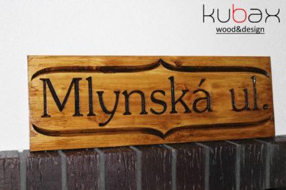 drevený názov ulice