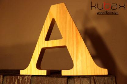drevené písmeno