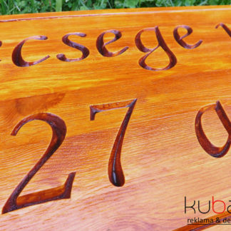 drevená tabuľa na dom
